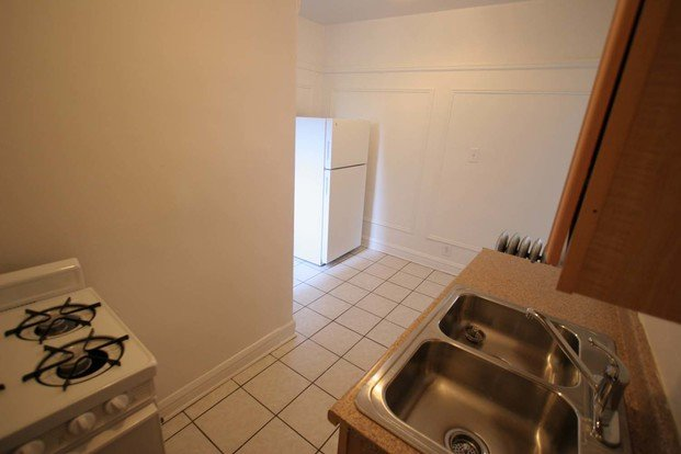 2 Bedrooms 1 Bathroom Apartment for rent at 4721 S. Ellis Avenue in Chicago, IL