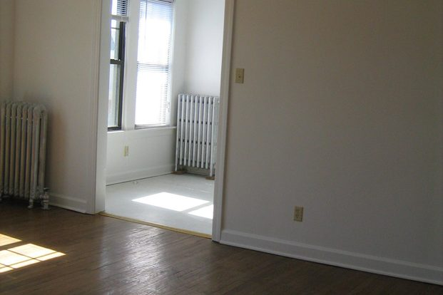 Studio 1 Bathroom Apartment for rent at 4455 S. Greenwood Avenue in Chicago, IL