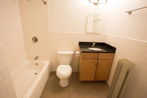 4 Bedrooms 2 Bathrooms Apartment for rent at 5326-5336 S. Greenwood Avenue in Chicago, IL