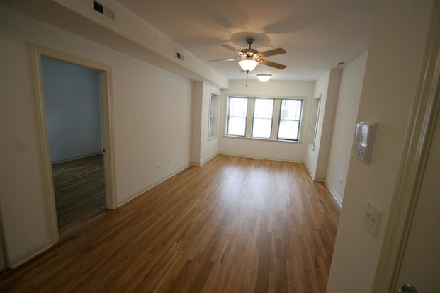 2 Bedrooms 1 Bathroom Apartment for rent at 5401-5405 S. Drexel Boulevard in Chicago, IL