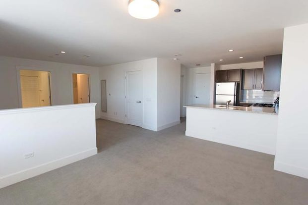 Studio 1 Bathroom Apartment for rent at Shoreland in Chicago, IL