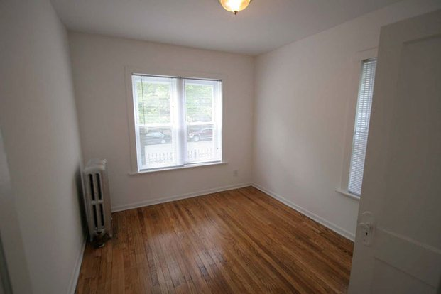 2 Bedrooms 2 Bathrooms Apartment for rent at 4721 S. Ellis Avenue in Chicago, IL