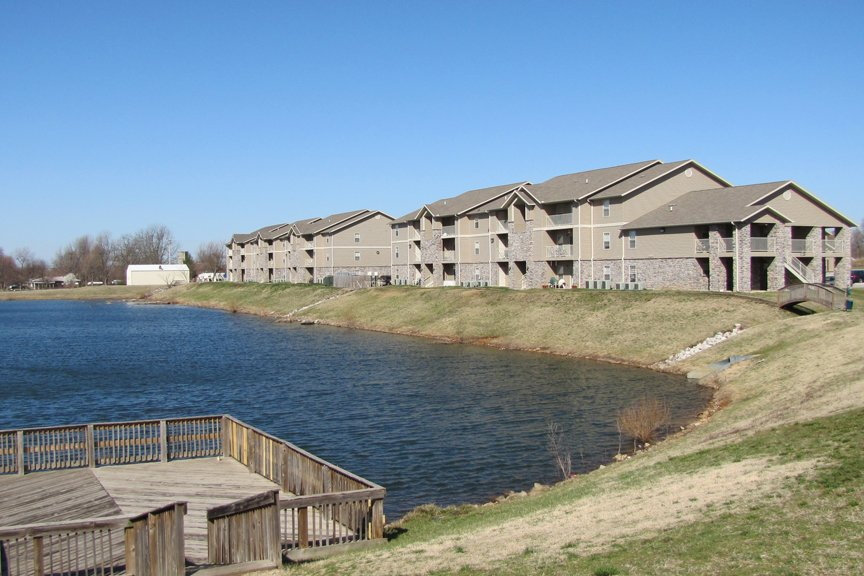 Golden Pond Apartments Springfield Mo