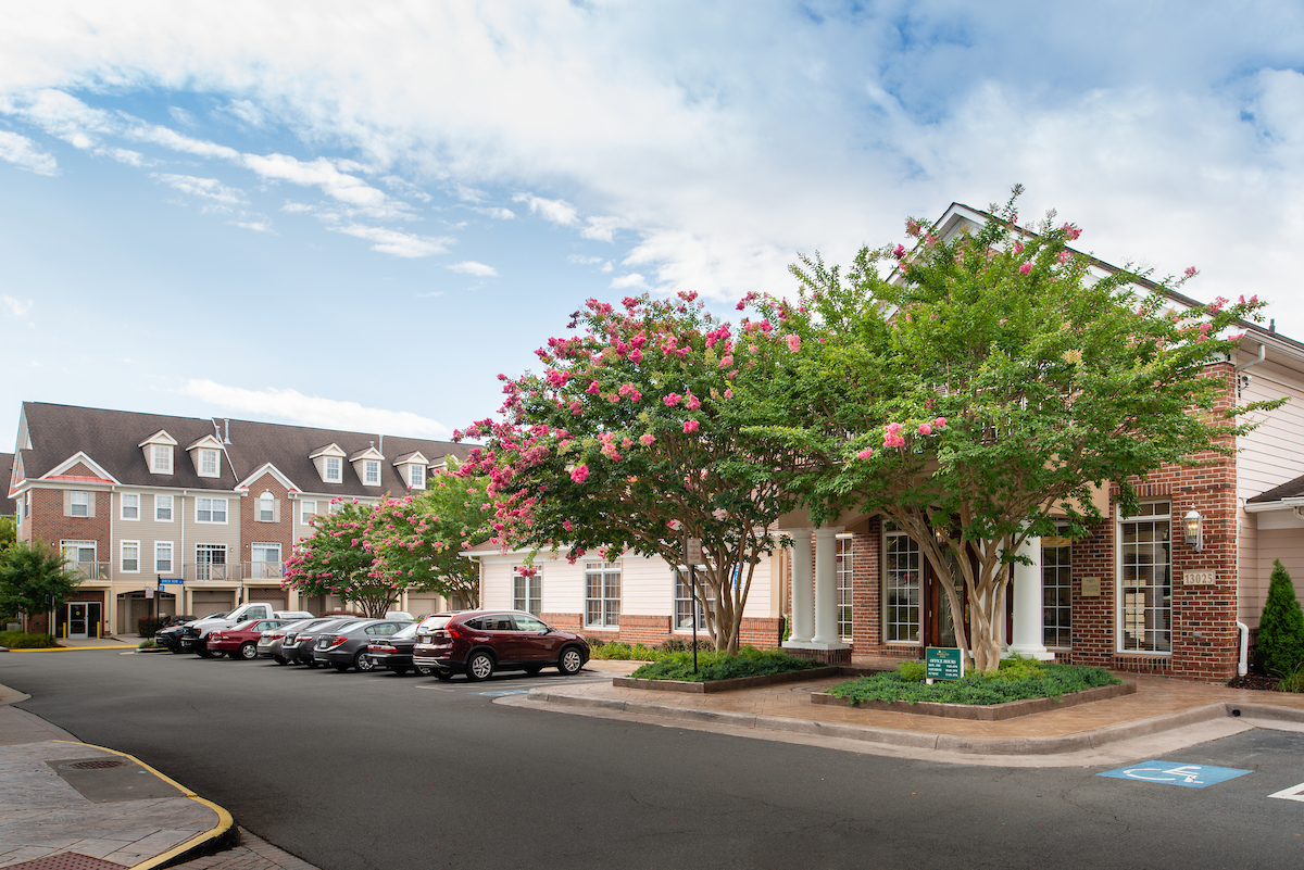 Apartments Near Ashburn Woodland Park for Ashburn Students in Ashburn, VA