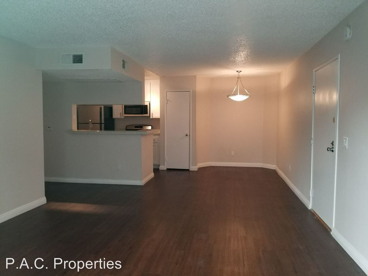 1 Bedroom 1 Bathroom Apartment for rent at 11030 Hartsook Street in North Hollywood, CA