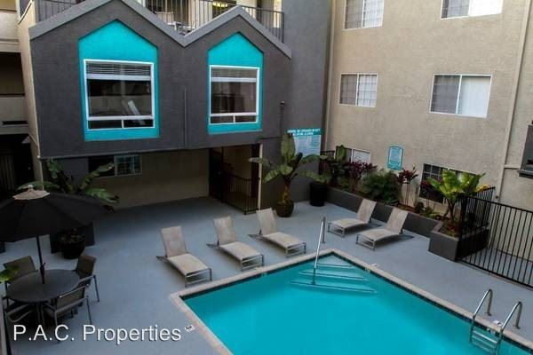 3 Bedrooms 2 Bathrooms Apartment for rent at 11030 Hartsook Street in North Hollywood, CA