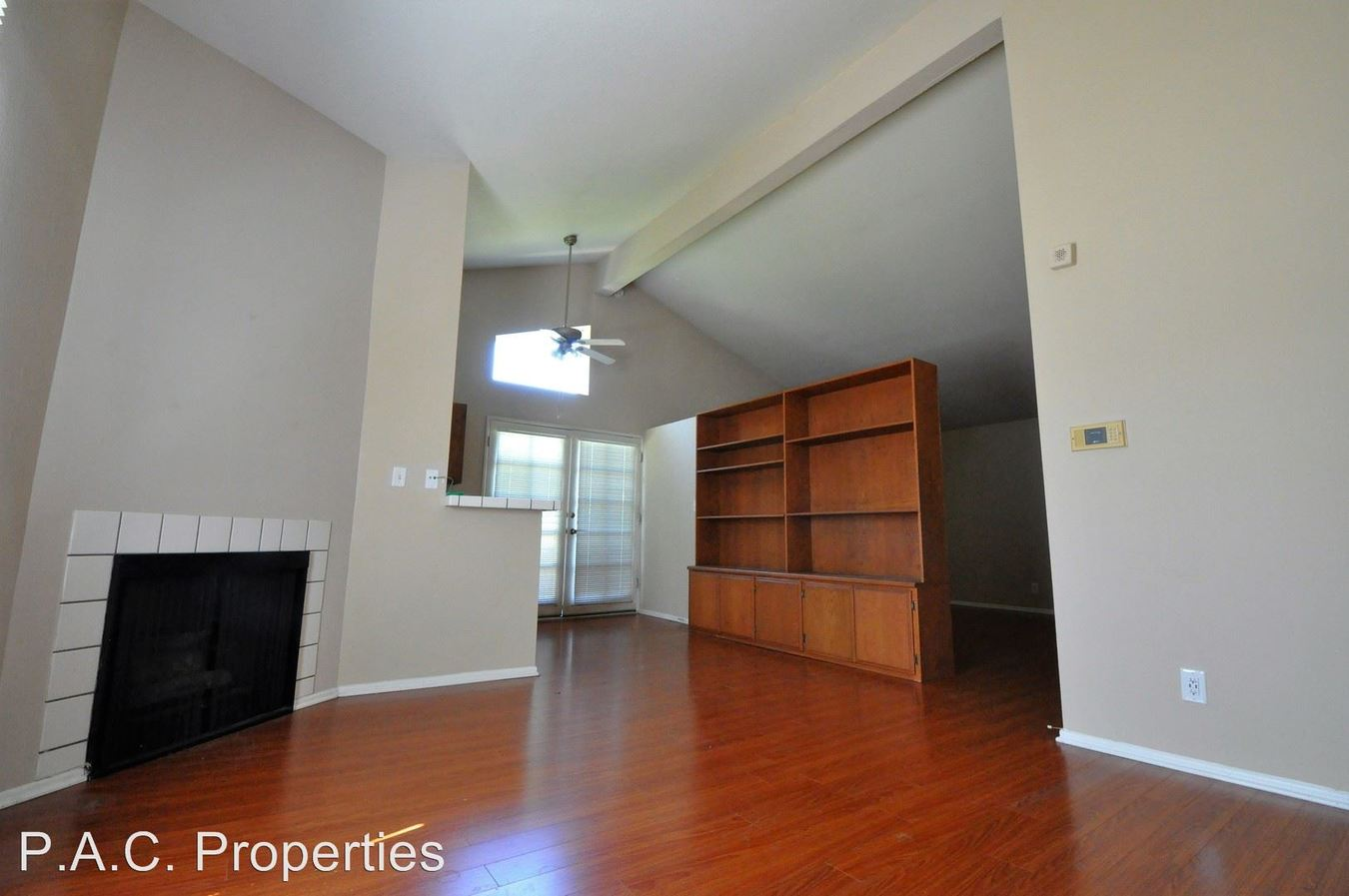 1 Bedroom 1 Bathroom Apartment for rent at 12142-50 Oxnard St in North Hollywood, CA