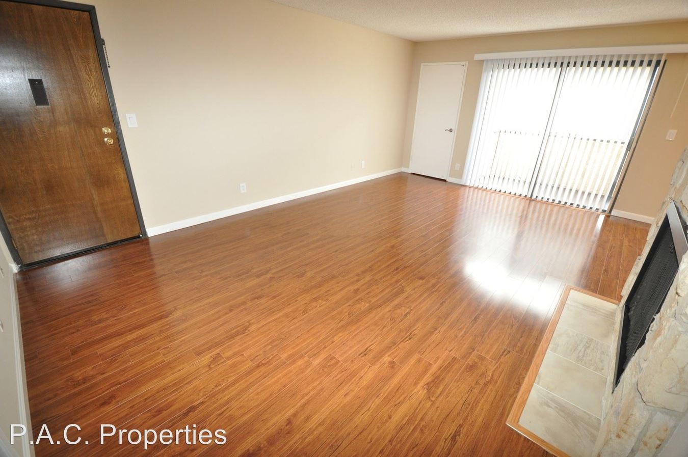 2 Bedrooms 2 Bathrooms Apartment for rent at 14710 Burbank Blvd in Sherman Oaks, CA