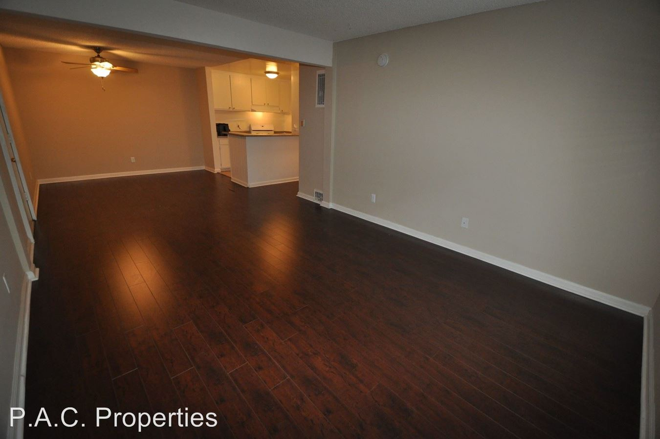 2 Bedrooms 2 Bathrooms Apartment for rent at 7350 Kester Avenue in Van Nuys, CA