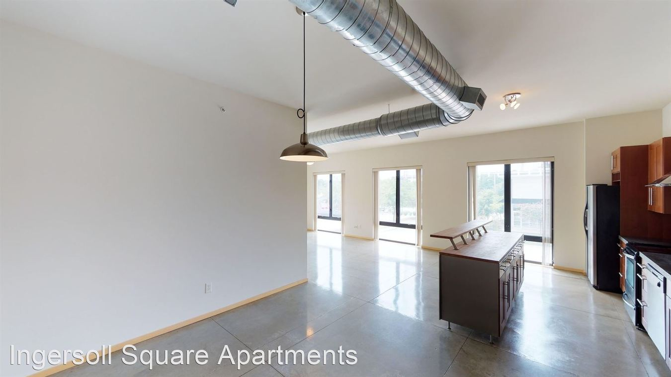 2 Bedrooms 2 Bathrooms Apartment for rent at Ingersoll Square in Des Moines, IA