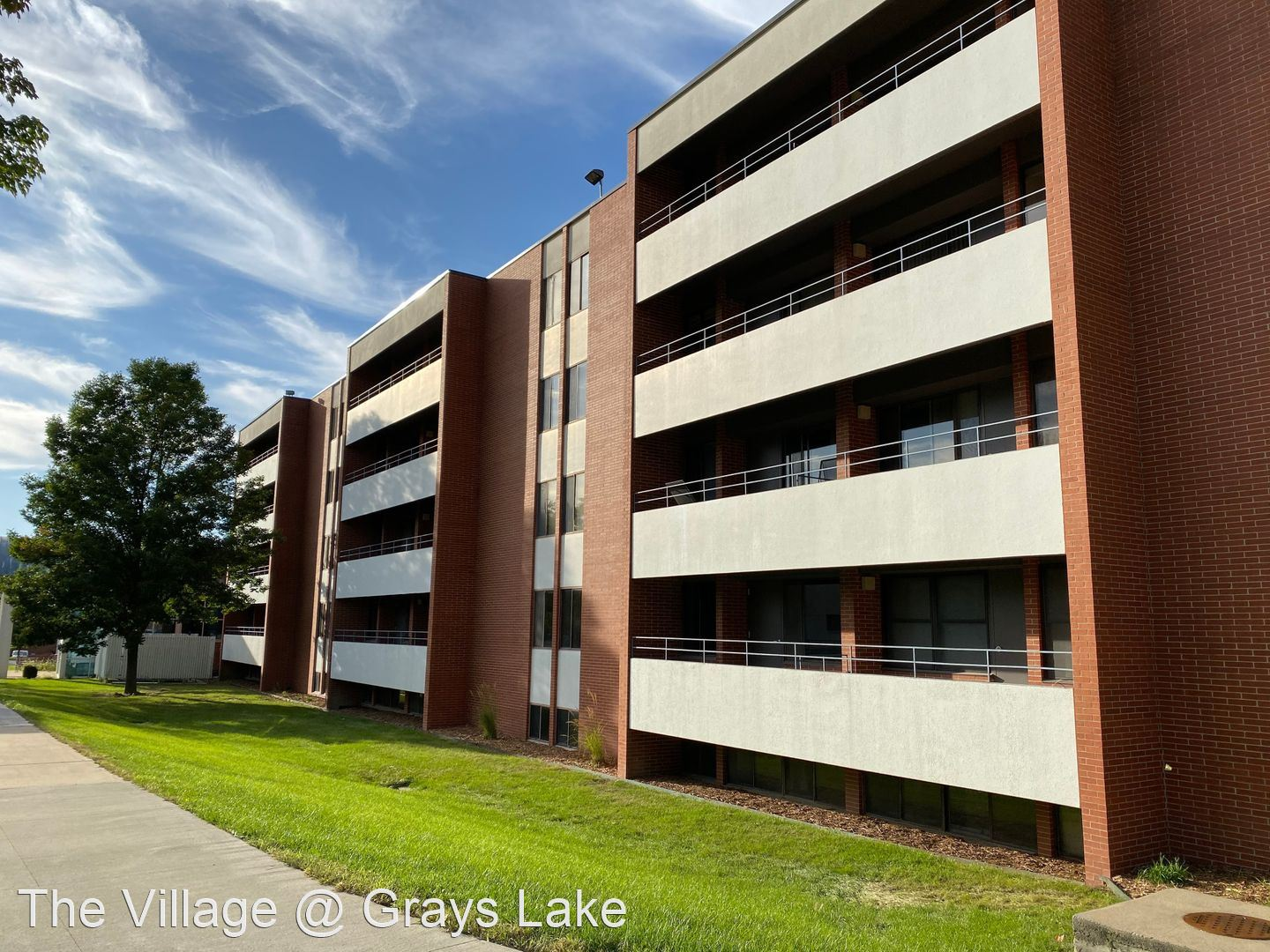 Apartments Near Drake 2270 Bell Ave for Drake University Students in Des Moines, IA