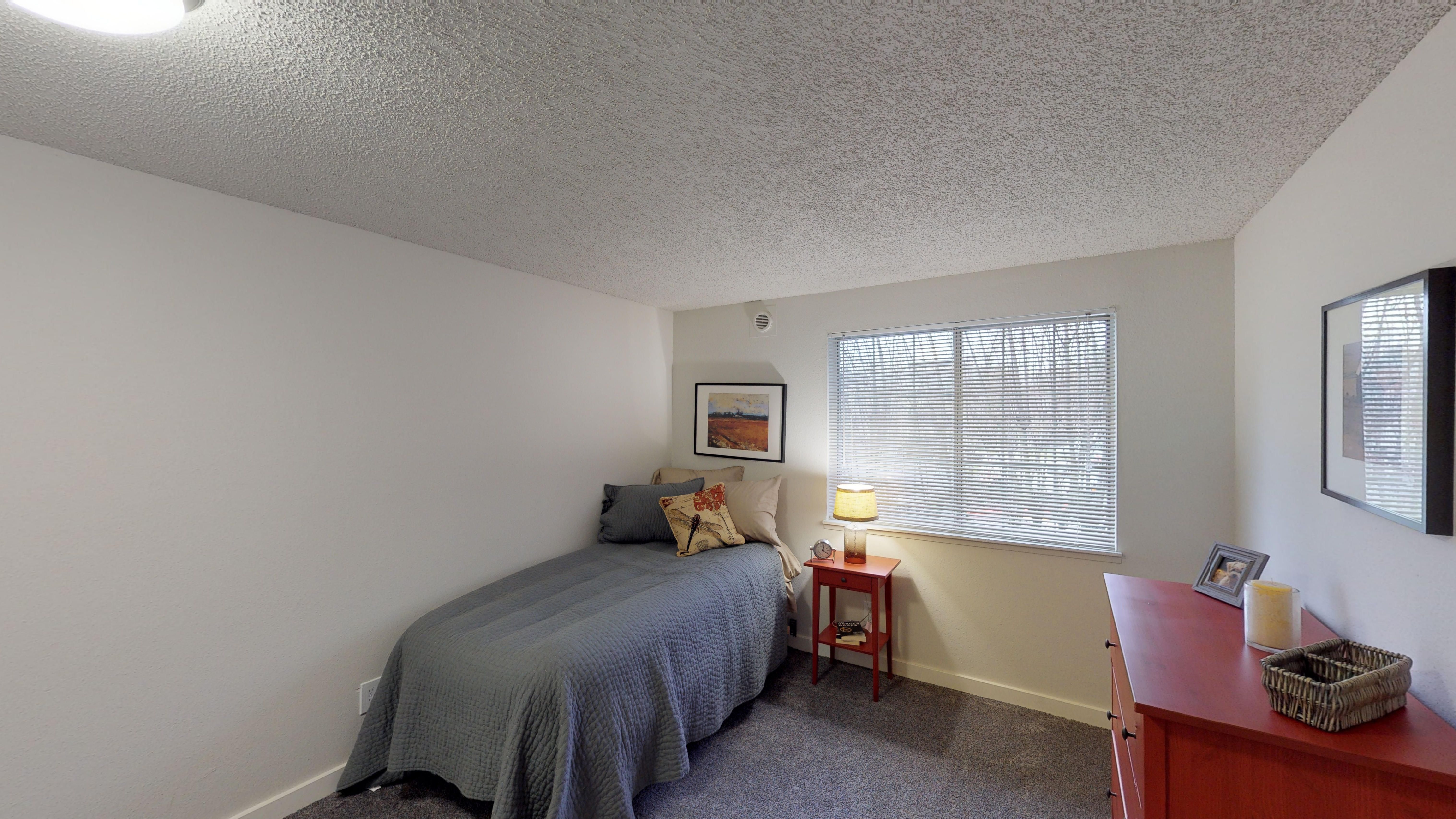 Altitude 104 Apartments, Tacoma - (see pics & AVAIL)