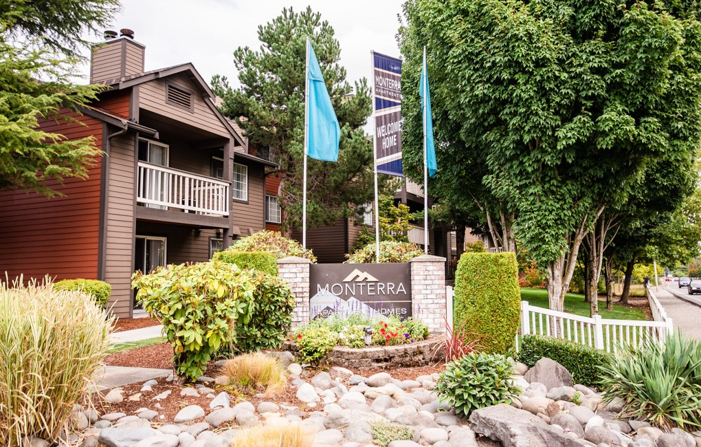 Apartments Near PLU Monterra for Pacific Lutheran University Students in Tacoma, WA