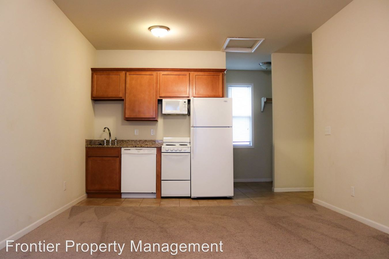 2 Bedrooms 2 Bathrooms Apartment for rent at 1117 N 11th St in Manhattan, KS