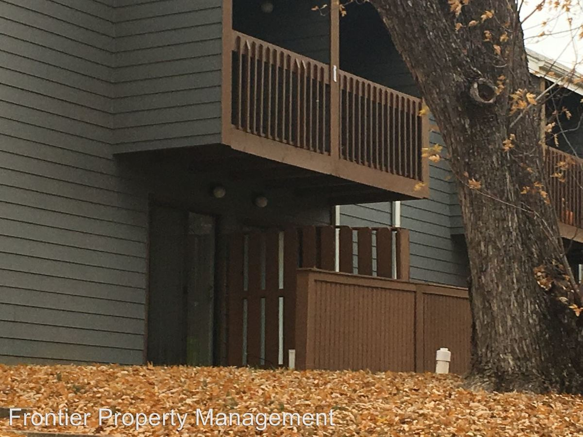 2 Bedrooms 1 Bathroom Apartment for rent at 1500 Mccain Ln in Manhattan, KS