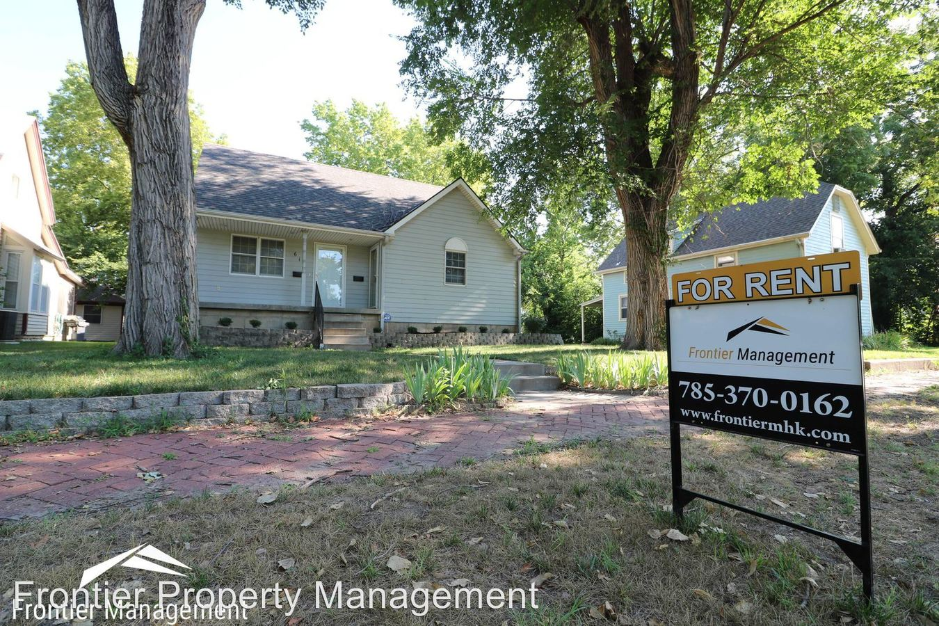 4 Bedrooms 2 Bathrooms Apartment for rent at 612 Pierre St. in Manhattan, KS