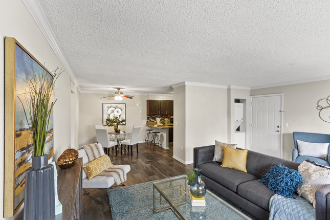 Apartments Near Keiser University-Orlando | College Student