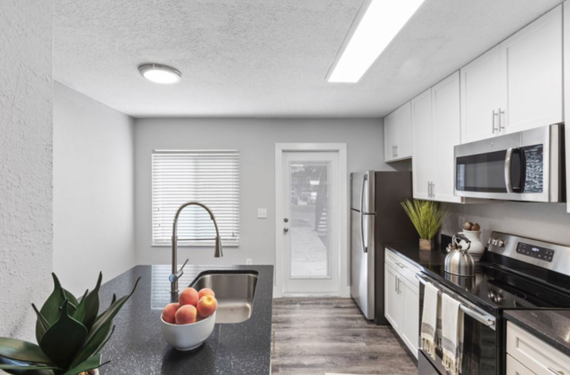 Sapphire Winter Park Apartments photo