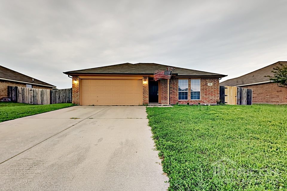 3 Bedrooms 2 Bathrooms House for rent at 528 Jeffdale Drive in Burleson, TX