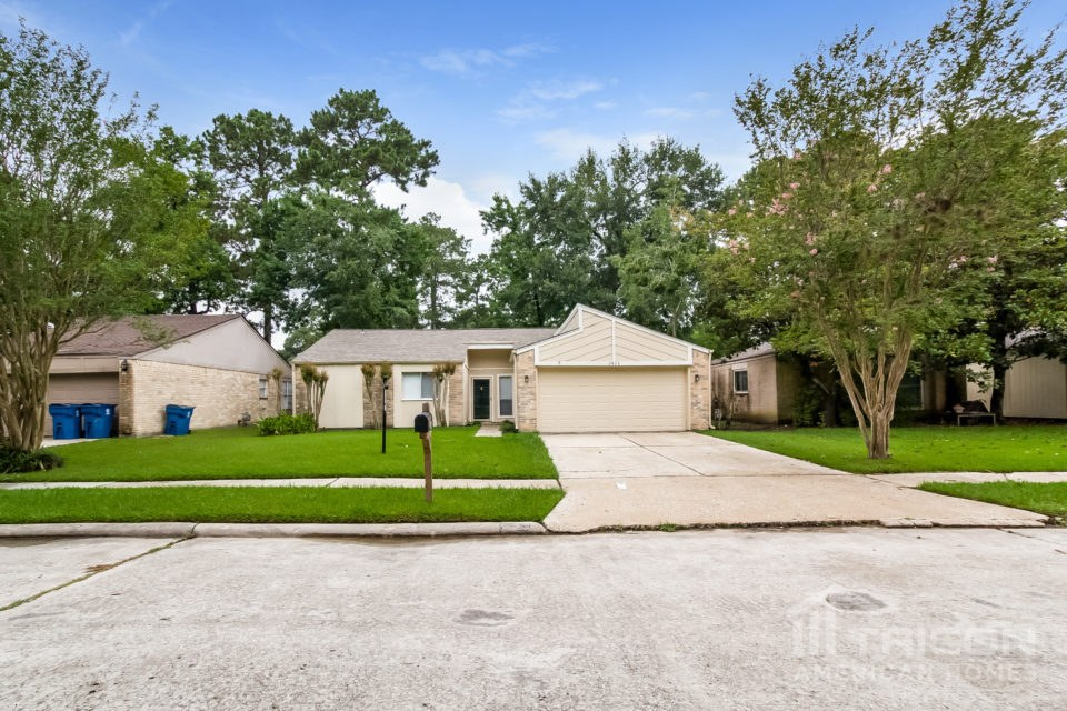 2423 Summer Spring Drive