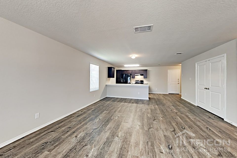 3 Bedrooms 2 Bathrooms House for rent at 9737 Marbach Brook in San Antonio, TX