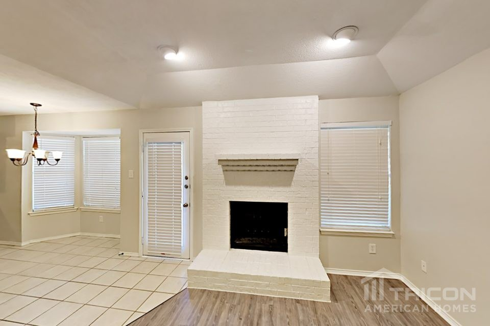 3 Bedrooms 2 Bathrooms House for rent at 5708 Woodsetter Court in Arlington, TX