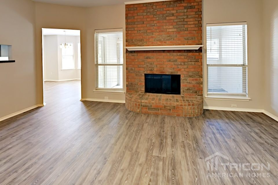 3 Bedrooms 2 Bathrooms House for rent at 629 Green Mountain Road in Burleson, TX
