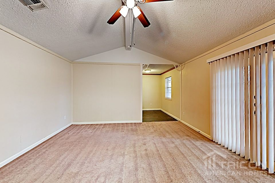 3 Bedrooms 2 Bathrooms House for rent at 1016 Kay Lynn Street in Mansfield, TX