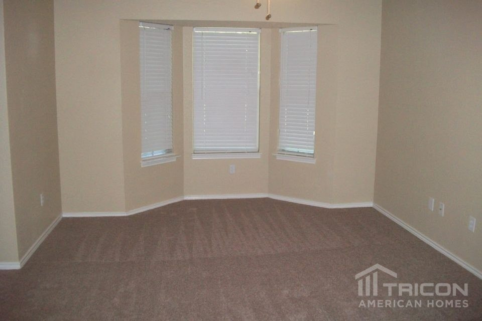 3 Bedrooms 2 Bathrooms House for rent at 615 Sherman in Mansfield, TX