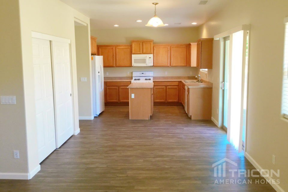 4 Bedrooms 3 Bathrooms House for rent at 18562 W Sanna Street in Waddell, AZ