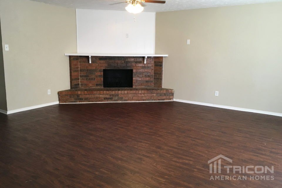 3 Bedrooms 2 Bathrooms House for rent at 7337 Stonewall Road in Forest Hill, TX