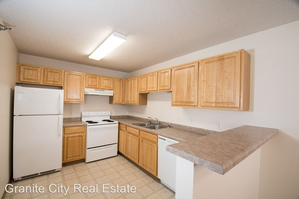 2 Bedrooms 1 Bathroom Apartment for rent at 815 34th Ave E in Alexandria, MN