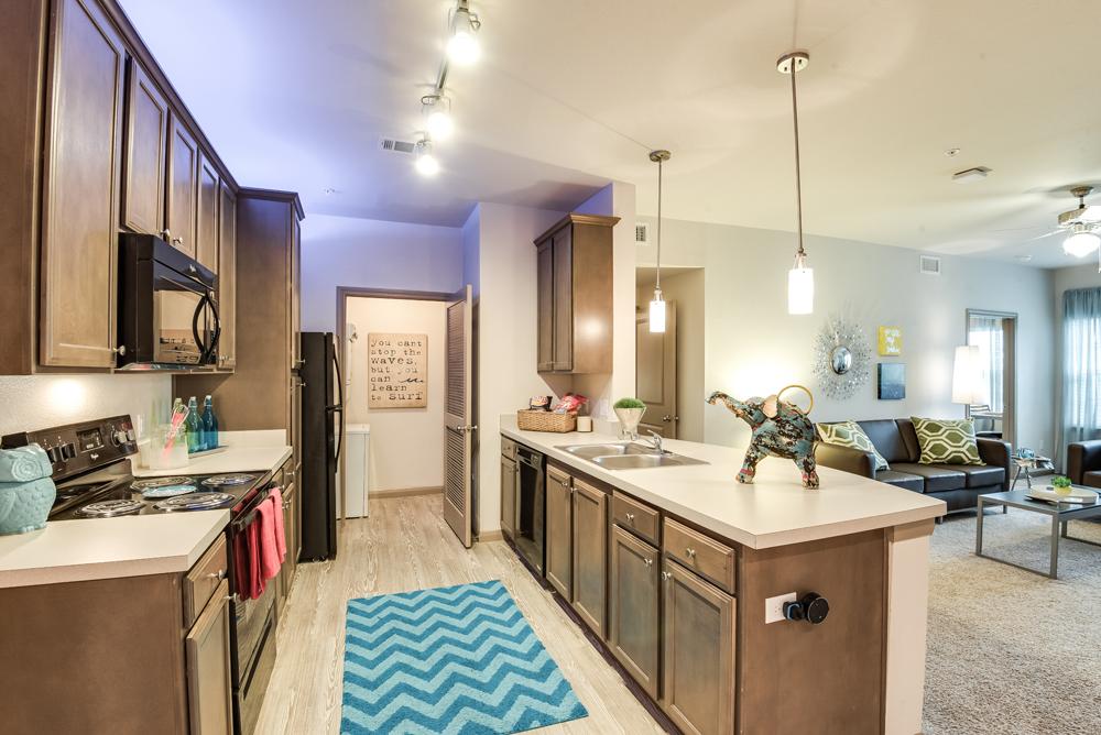 Apartments Near TAMU-CC Midtown University Living for Texas A & M University-Corpus Christi Students in Corpus Christi, TX
