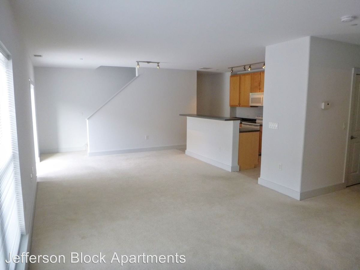 2 Bedrooms 1 Bathroom Apartment for rent at Jefferson Block Apartments in Milwaukee, WI