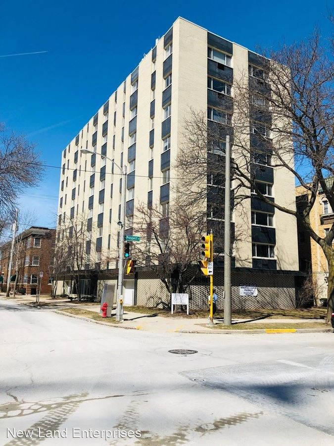 2 Bedrooms 1 Bathroom Apartment for rent at 1901 N Prospect Ave in Milwaukee, WI
