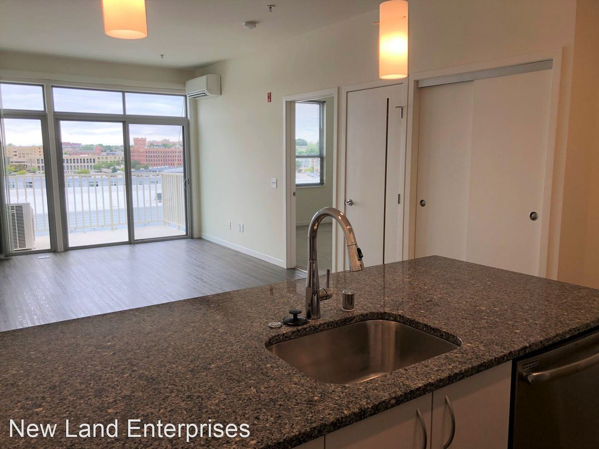 1 Bedroom 1 Bathroom Apartment for rent at 1623 N Jackson St in Milwaukee, WI
