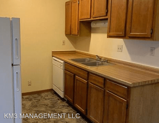 2 Bedrooms 2 Bathrooms Apartment for rent at 10001 W Appleton Ave 9914-10004 W Appleton Ave in Milwaukee, WI