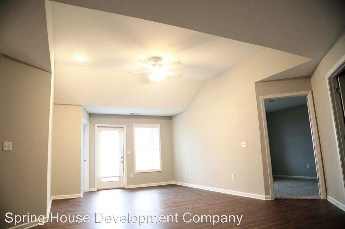 2 Bedrooms 2 Bathrooms Apartment for rent at 1020 Duckhorn Drive in Richmond, KY