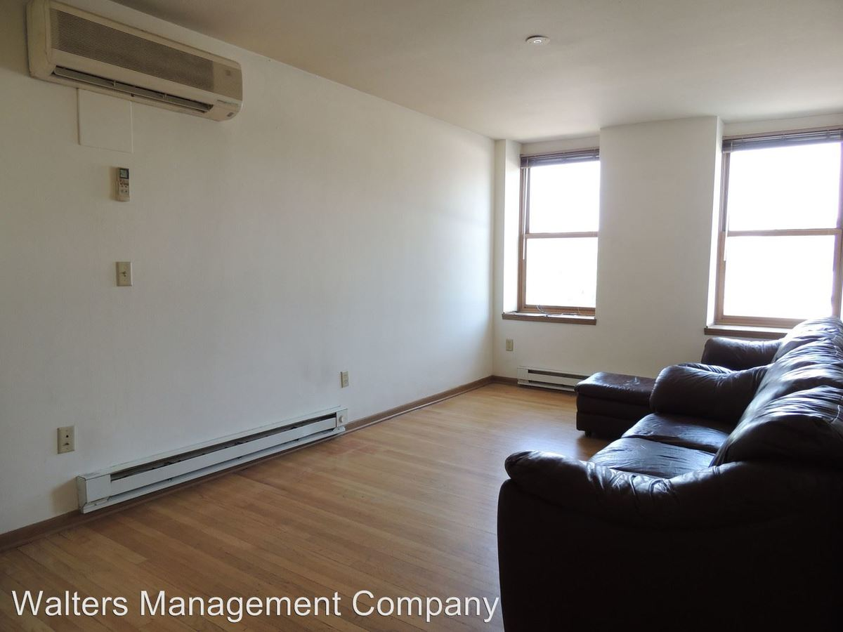 2 Bedrooms 1 Bathroom Apartment for rent at 328 W. Broadway in Waukesha, WI