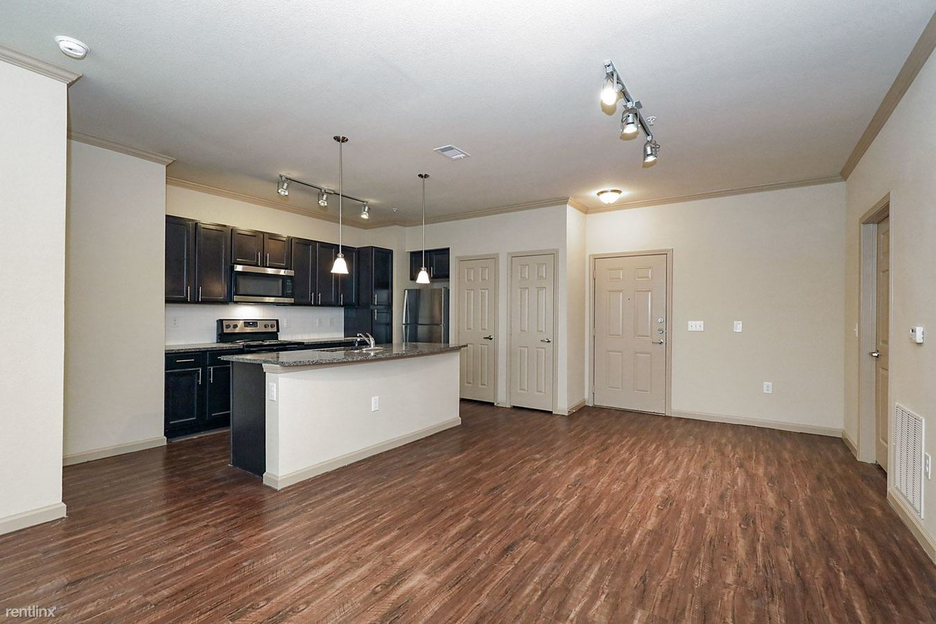 2 Bedrooms 2 Bathrooms Apartment for rent at 3750 National Pkwy in Mansfield, TX