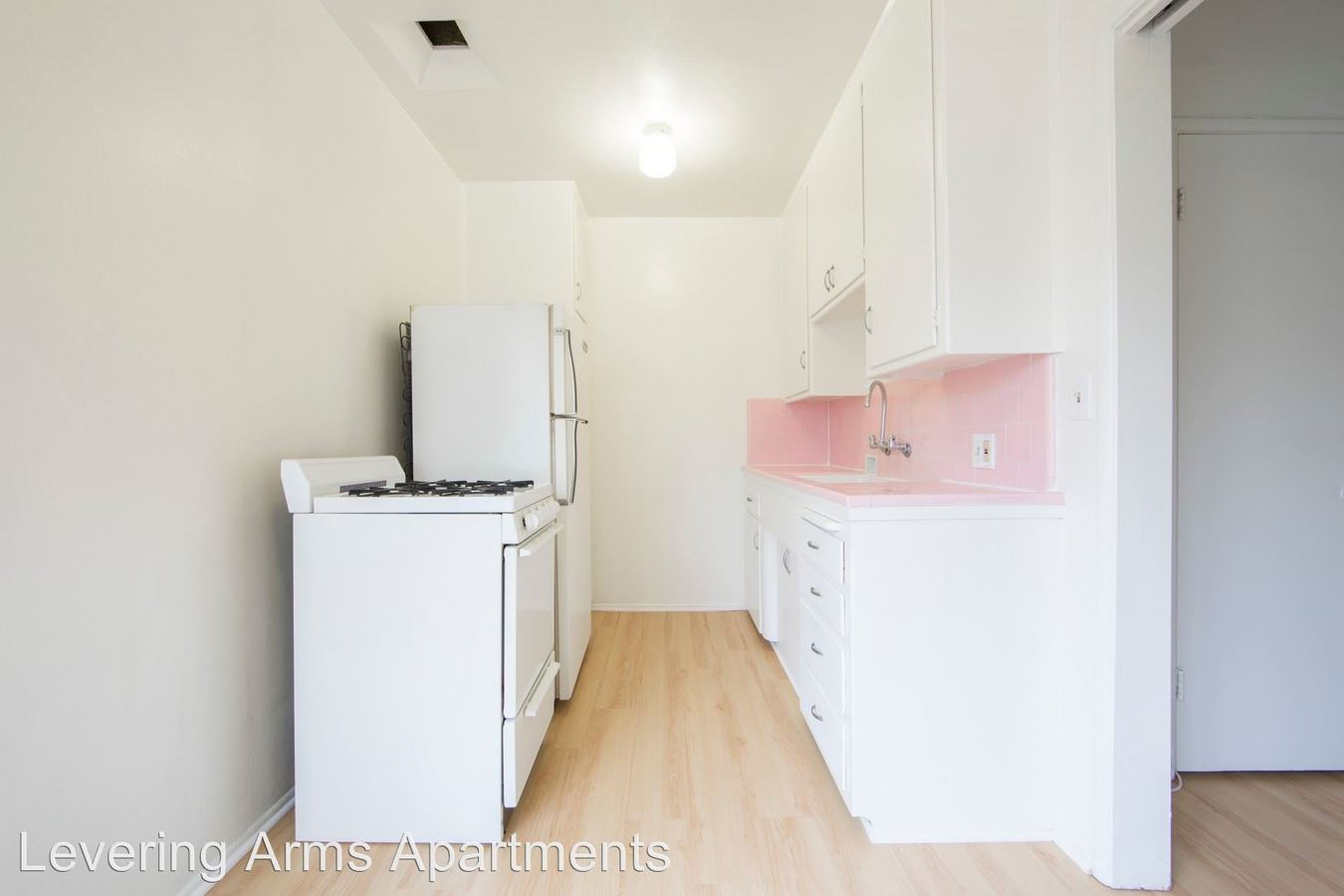 Studio 1 Bathroom Apartment for rent at 667-669 Levering Ave. in Los Angeles, CA