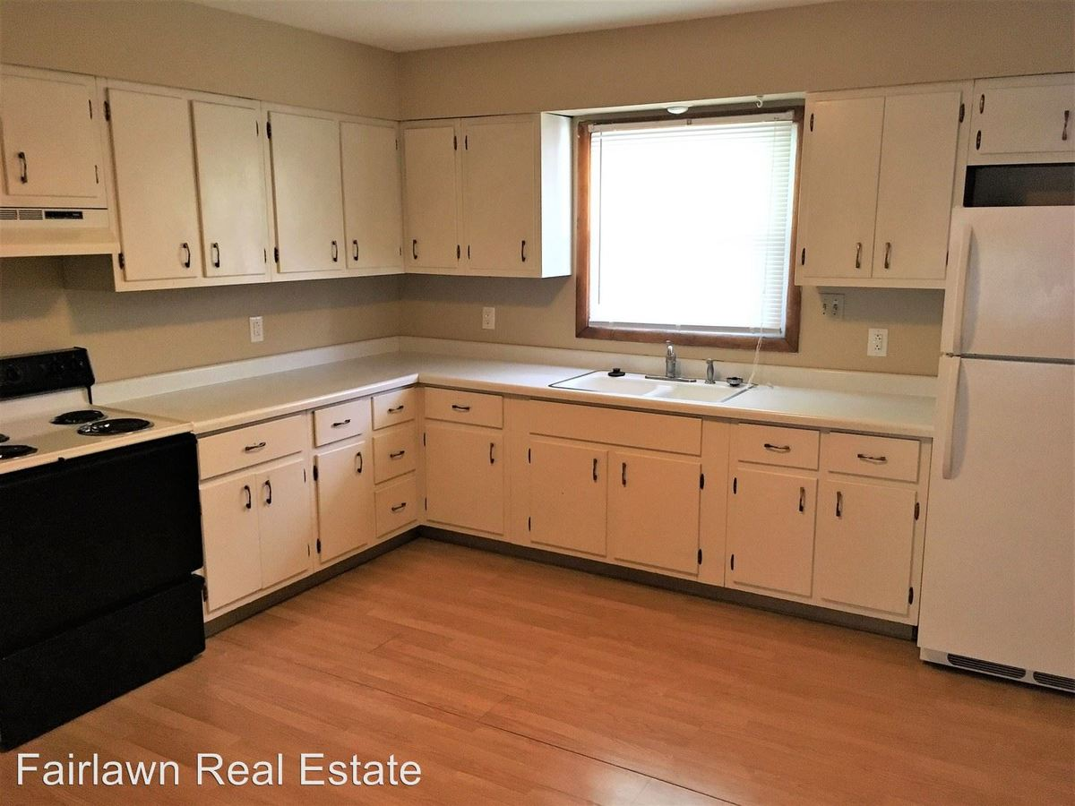 2 Bedrooms 1 Bathroom Apartment for rent at 622 W. Clark Street in Champaign, IL