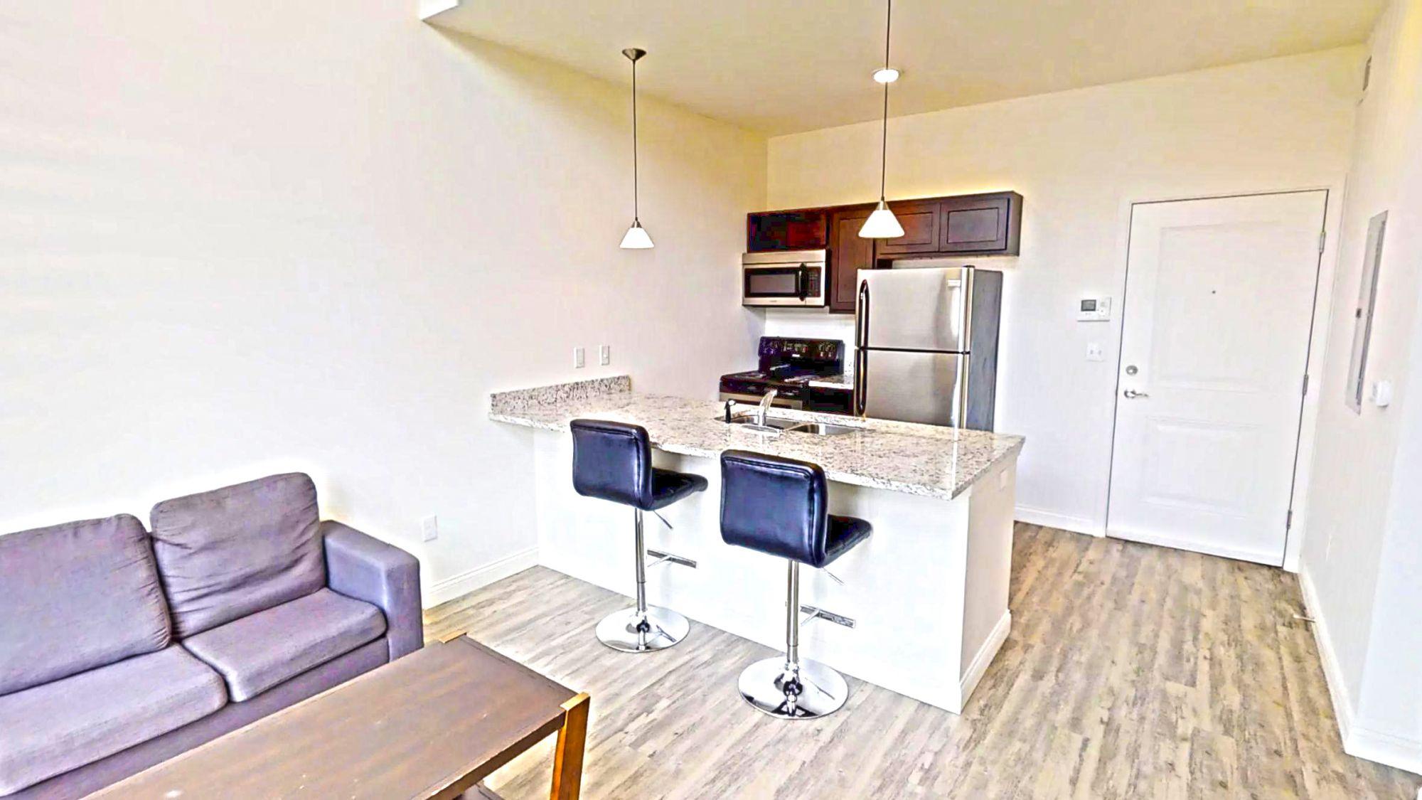 Apartments Near University of Illinois 314 E. White St for University of Illinois Students in Champaign, IL