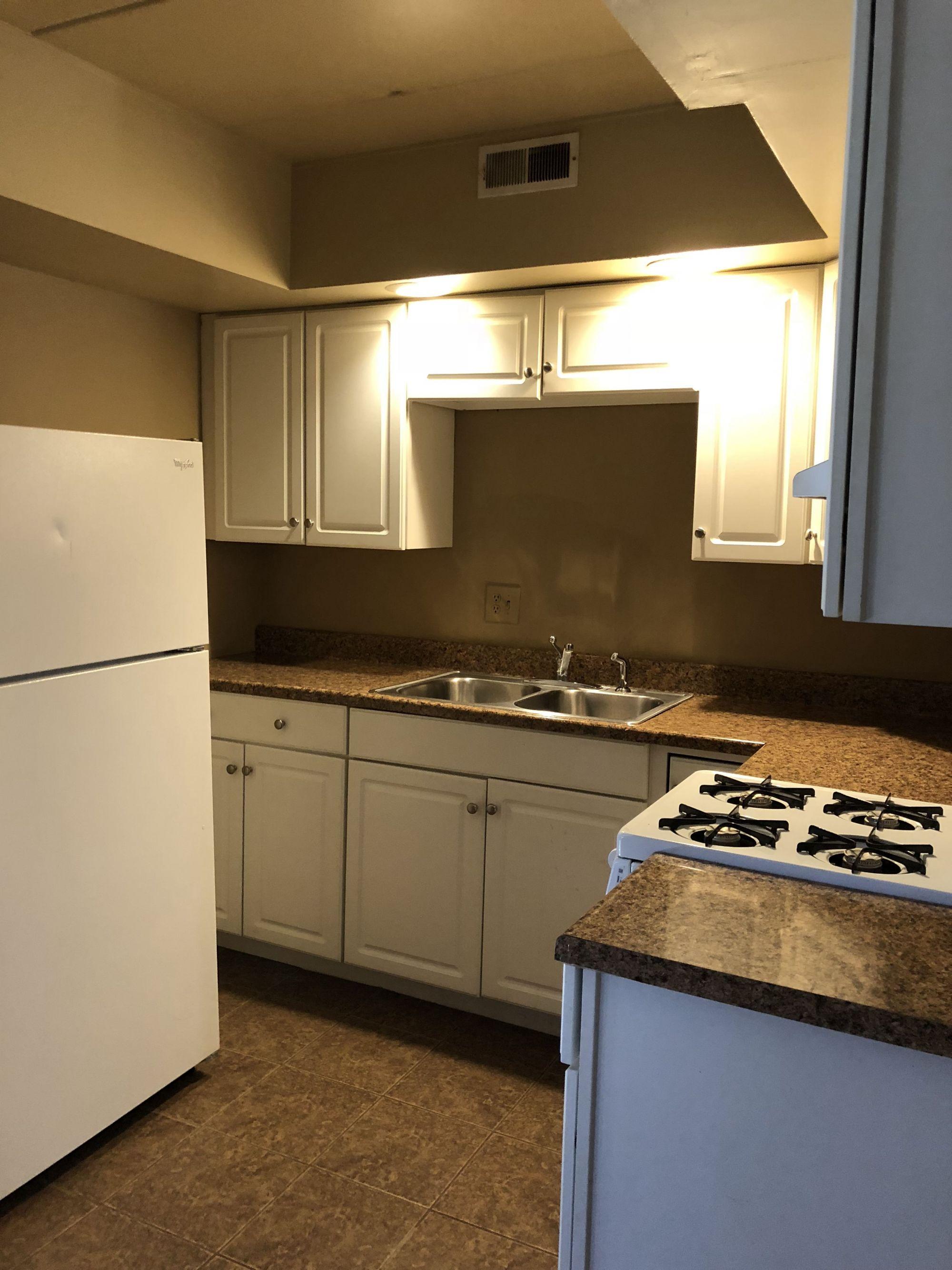 Apartments Near Champaign 407 S State for Champaign Students in Champaign, IL