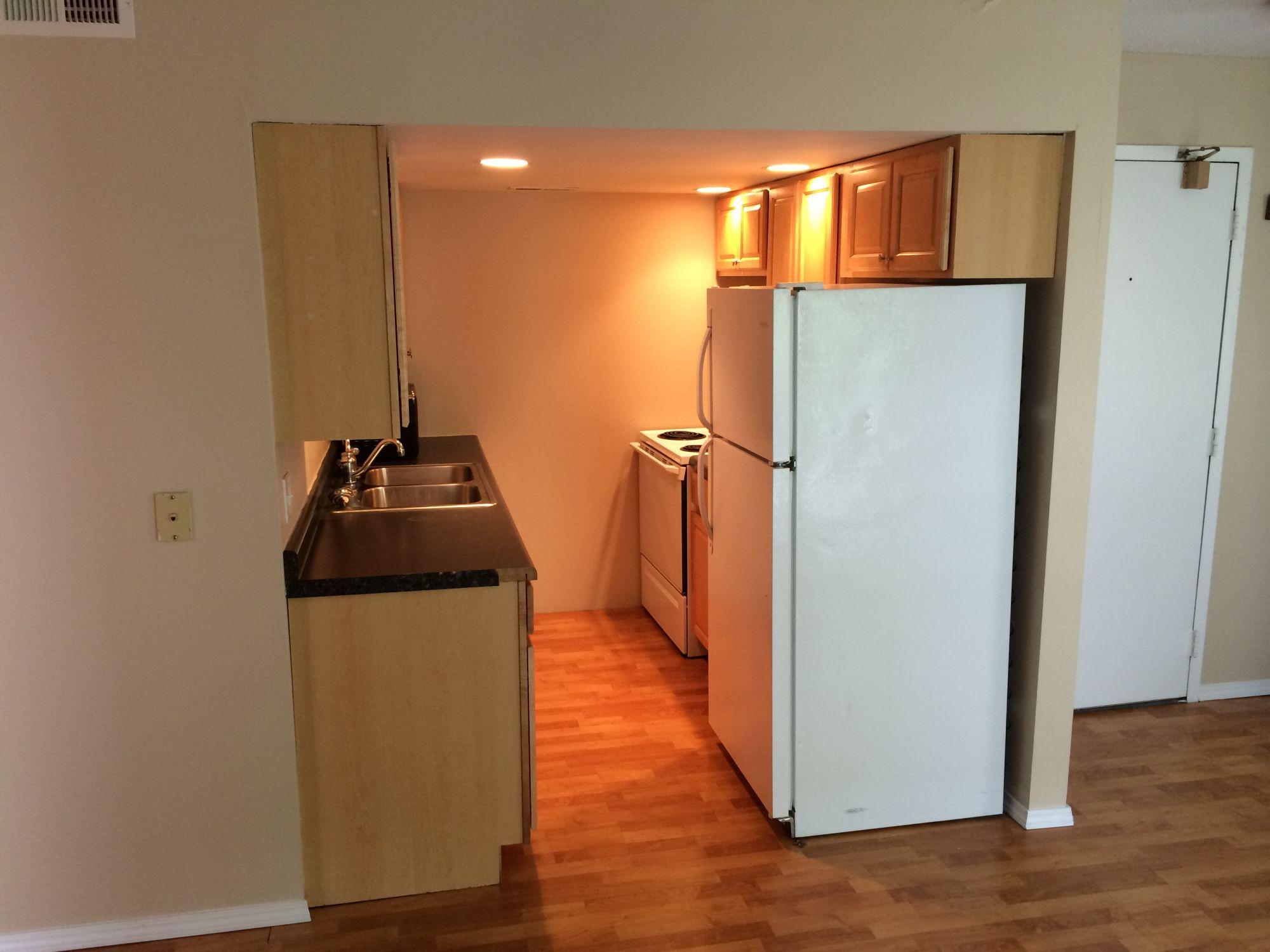 Apartments Near Champaign 810 S. Oak St for Champaign Students in Champaign, IL