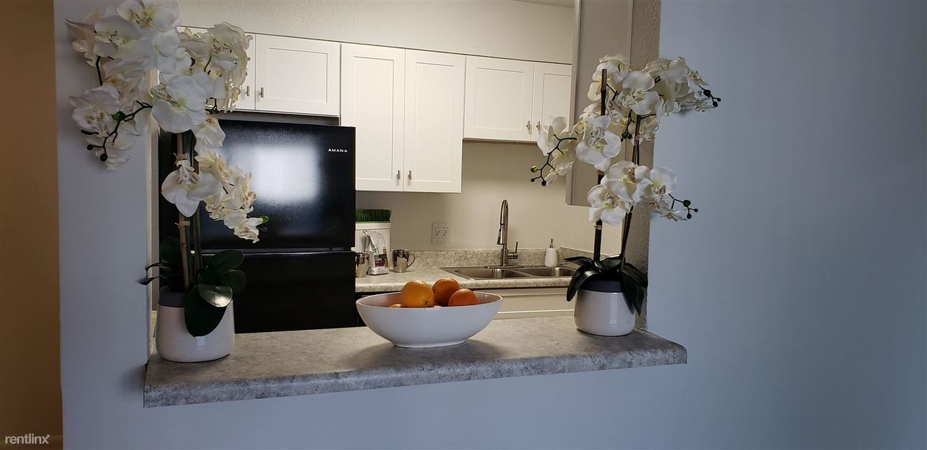 1 Bedroom 1 Bathroom Apartment for rent at Dunwoody Glen Apartments in Atlanta, GA