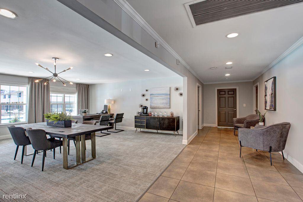 2 Bedrooms 1 Bathroom Apartment for rent at Dunwoody Glen Apartments in Atlanta, GA