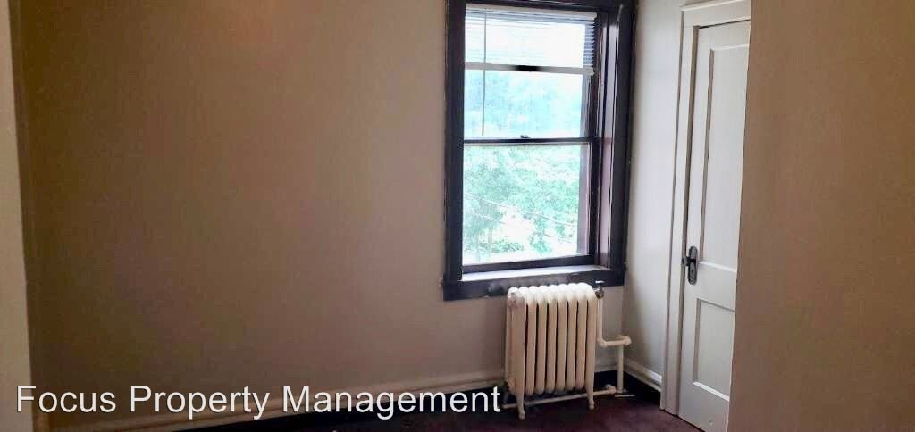 2 Bedrooms 1 Bathroom Apartment for rent at 130 Forest Avenue in Fond Du Lac, WI