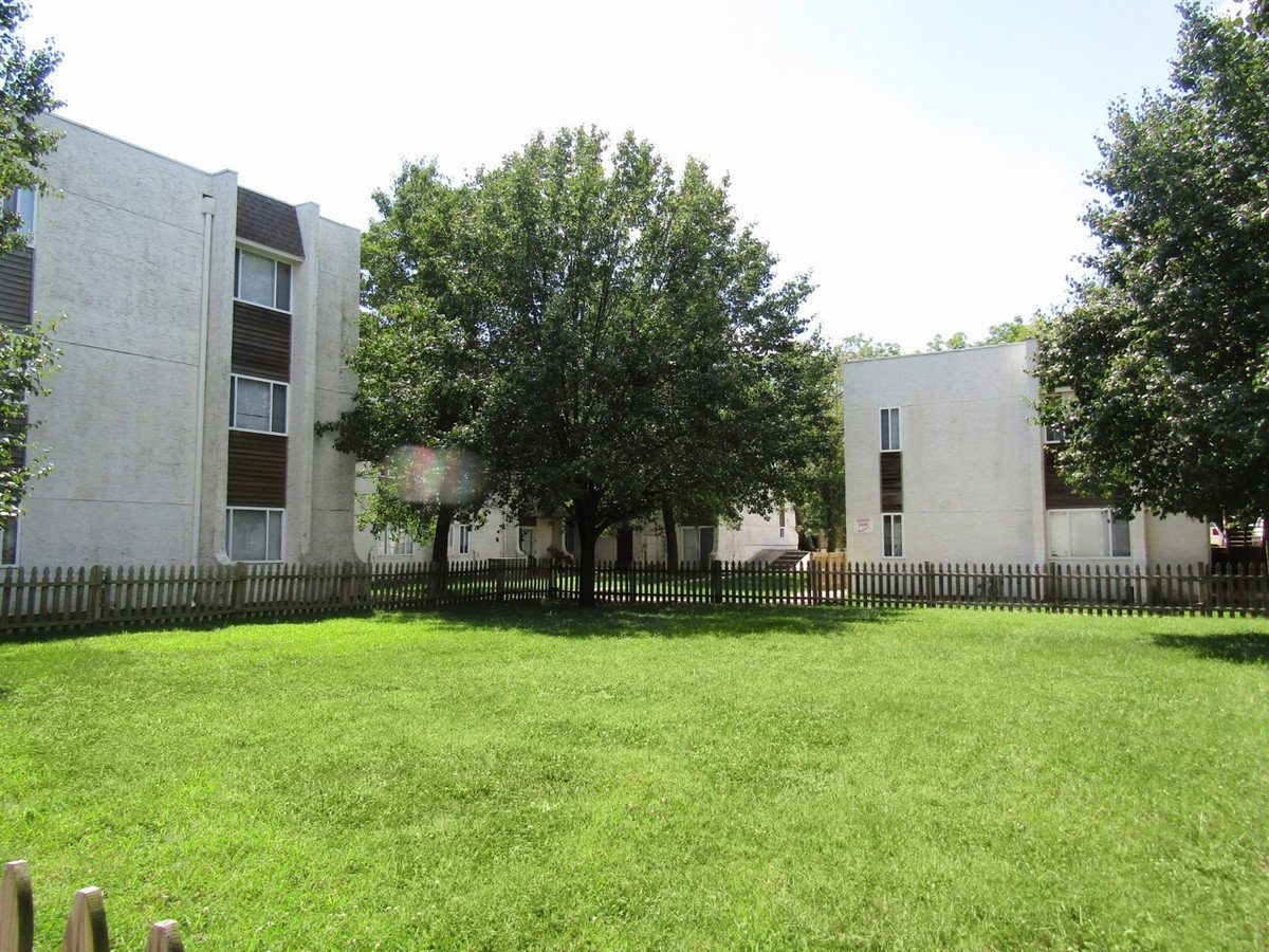 Courtyard Apartments Kansas City, MO