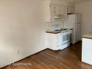 2 Bedrooms 1 Bathroom Apartment for rent at 506 Orchard Pl in Burlington, WA